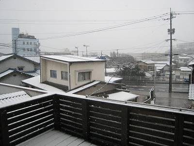 雪とひな祭り